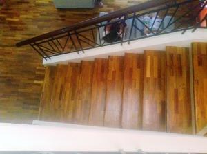 contoh pemasangan pada area tangga