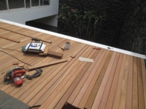 Project Pemasangan Decking Kayu